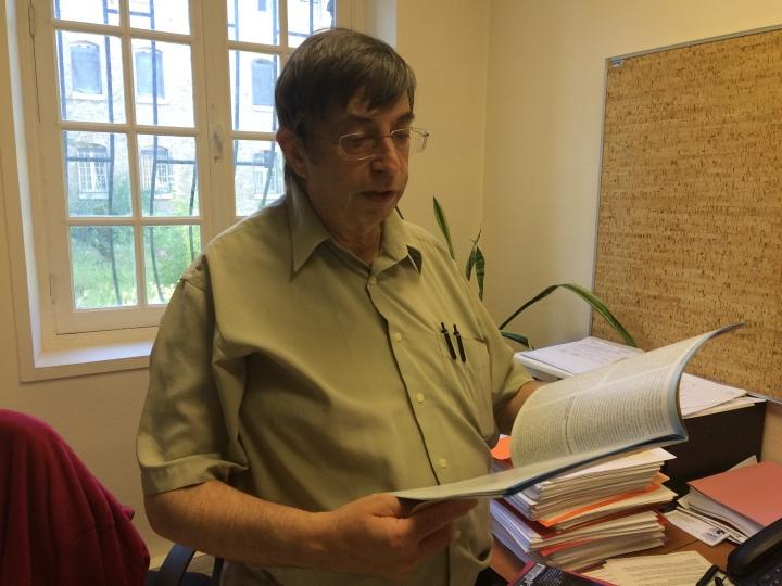 Jacques Hassin dans son bureau du CHAPSA